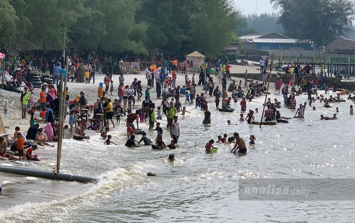 Pantai Pondok Permai Mulai Ramai Dikunjungi Wisatawan