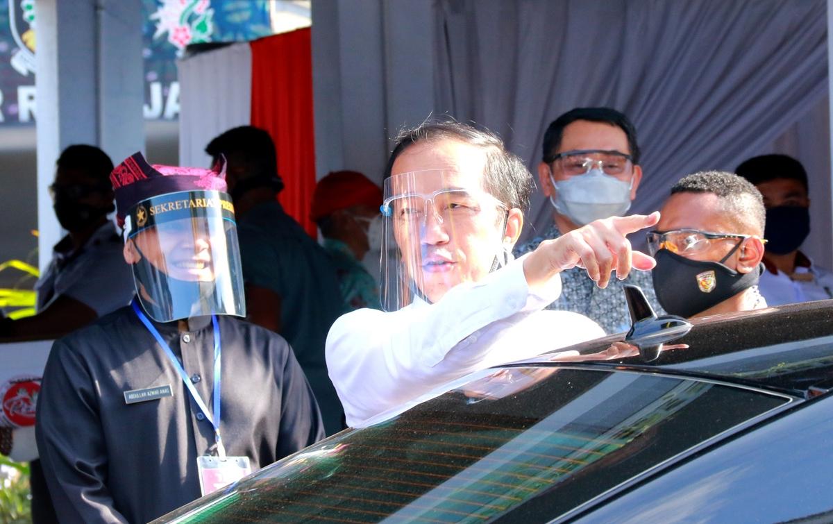 Kerja Biasa-biasa Saja, Jokowi Buka Opsi Reshuffle