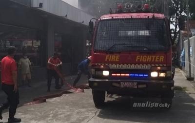 Restoran Cepat Saji di Jalan Kapten Muslim Terbakar