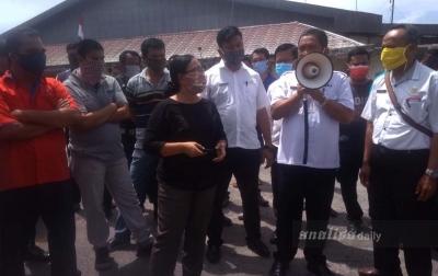 Tuding 2 Perusahaan Sebagai Penyebab Banjir, Warga Bangunrejo Unjuk Rasa