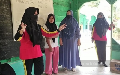 Ibu Bhayangkari Mengajar ke Dusun Alur Meuku