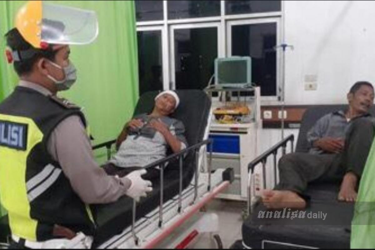 Bus Terbalik di Padang Bolak, Delapan Penumpang Jadi Korban