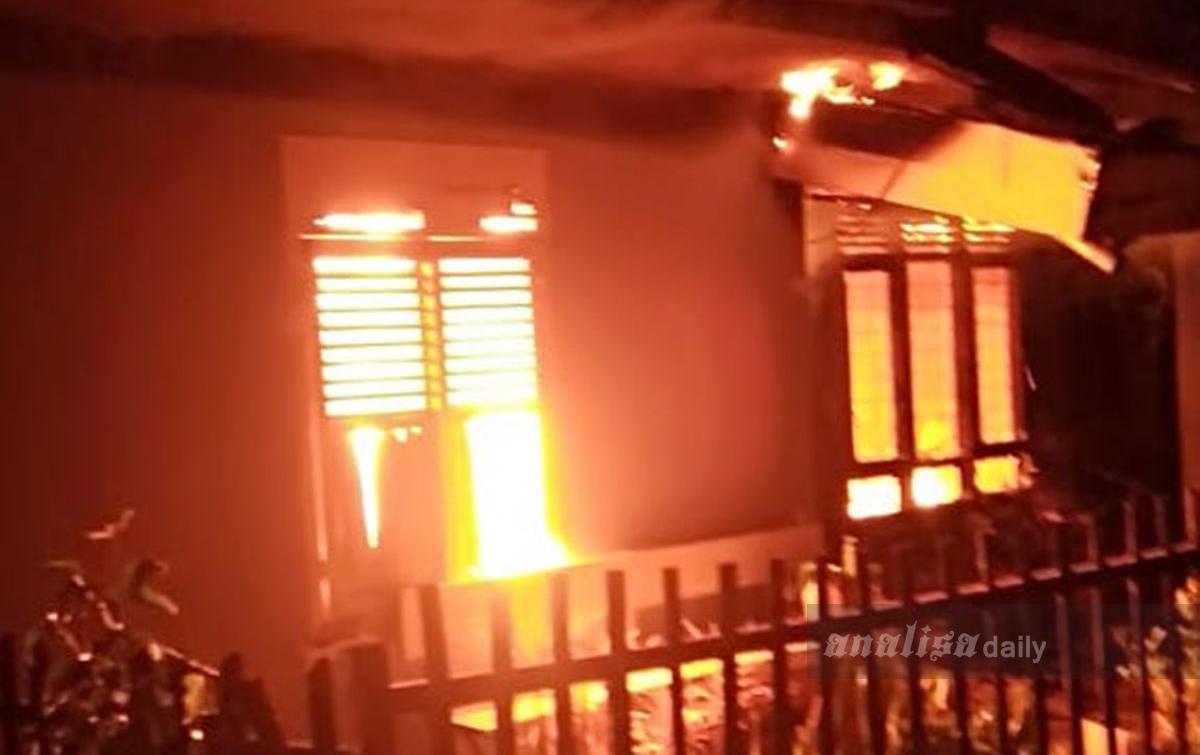 2 Rumah Warga di Sidikalang Hangus Terbakar