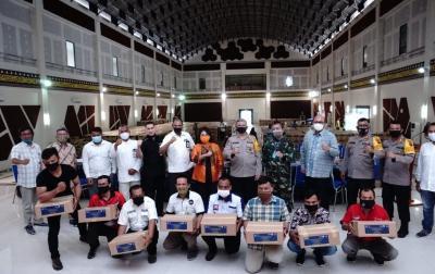 Poltekpar Medan Dukung Kemenparekraf Serahkan Bantuan ke Pelaku Pariwisata