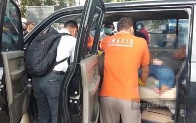Seorang Pria Ditemukan Tak Bernyawa di Dalam Mobil