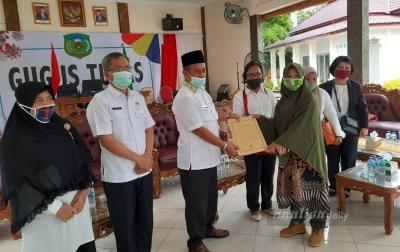 Bupati Palas Usulkan Ratusan Guru Honorer Jadi PNS ke Presiden