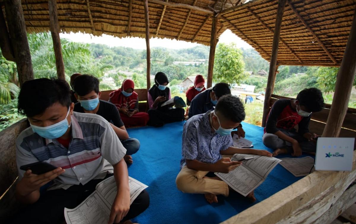 Bantuan Internet Permudah Pelajar di Pedesaan Ikuti Pembelajaran Jarak Jauh