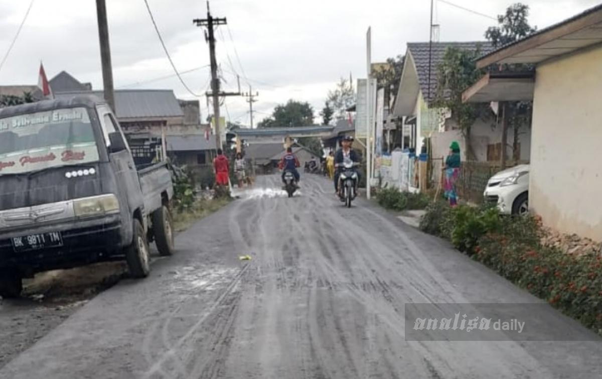 Setelah 14 Bulan Tenang, Gunung Sinabung Kembali Erupsi