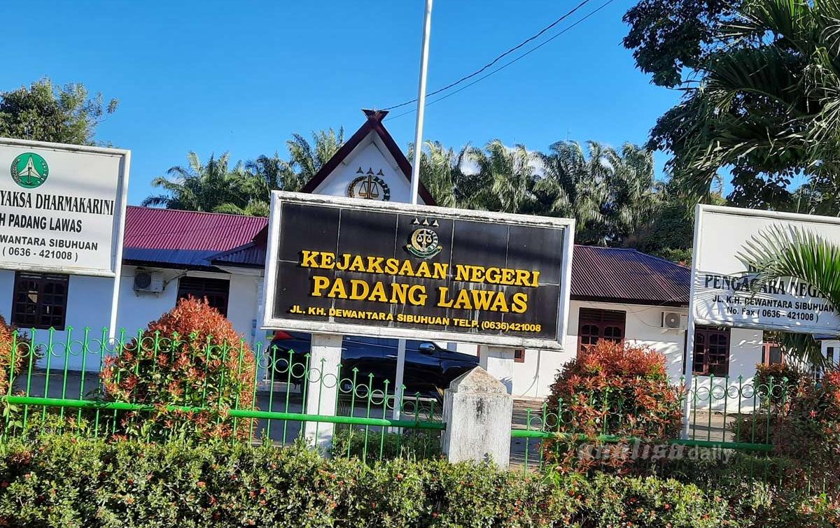 KPK Sita Kebun Kelapa Sawit Nurhadi di Padang Lawas