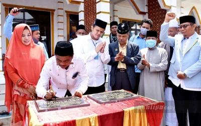 Wabup Sergai Hibahkan Masjid dan Musala