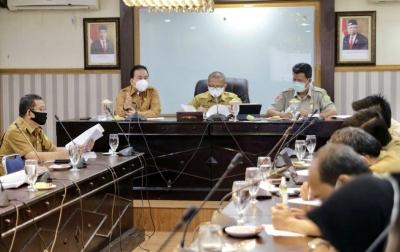 Petugas Pemakaman Jenazah Corona Tetap Dilengkapi APD