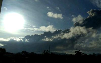 Sinabung Kembali Erupsi, Semburkan Abu Vulkanik Setinggi 1.000 Meter