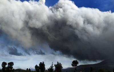 Abu Vulkanik Letusan Sinabung Tak Sampai Perbatasan Aceh