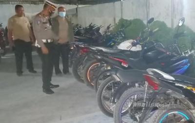 Ugal-ugalan dan Pakai Knalpot Blong, 17 Sepeda Motor Ditilang Polisi