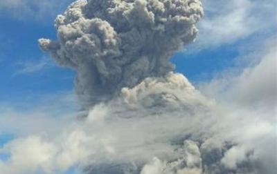Gunung Sinabung Kembali Semburkan Abu Vulkanik