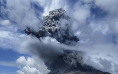Foto: Erupsi Gunung Sinabung