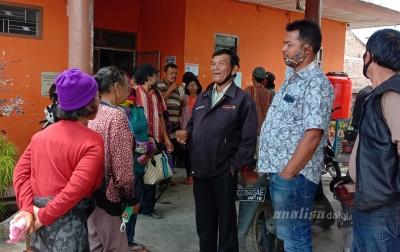 Puluhan Warga Gurukinayan Datangi Kantor BPBD Karo