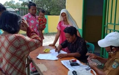 Kades Bagan Kuala Bagikan Dana BLT Tahap Empat