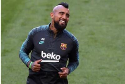 Tak Masuk Proyeksi Koeman, Vidal Mendekat ke Inter Milan