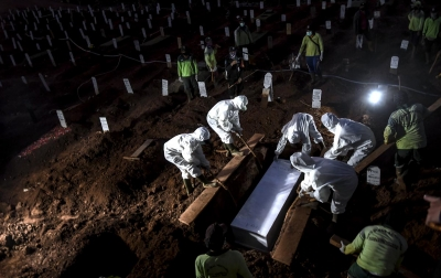 Foto: Pemakaman Jenazah Covid-19