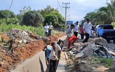 Anggota DPRD Sumut Tinjau Proyek Peningkatan Jalan Lintas Provinsi