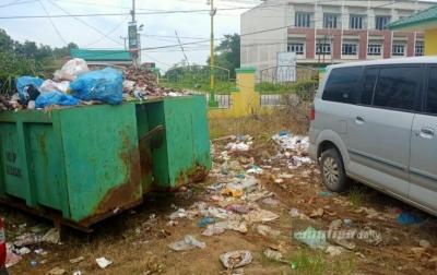 Sampah Menumpuk, Panisean: Fasilitas Belum Memadai