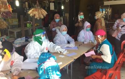 Dinkes Paluta Rapid Test Massal di Pasar Tradisional