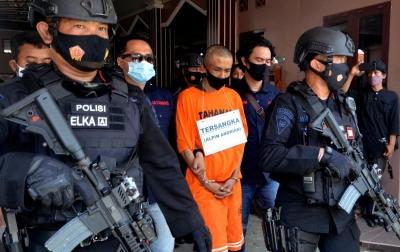 Foto: Rekonstruksi Kasus Penikaman Syekh Ali Jaber