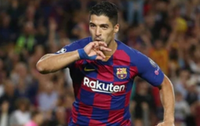 Sikap Plin-plan Barcelona Membuat Suarez Geram