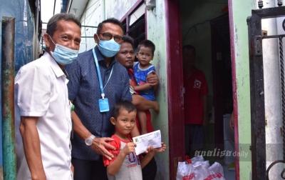PTPN2 Berikan Paket Sembako Kepada Warga Kurang Mampu