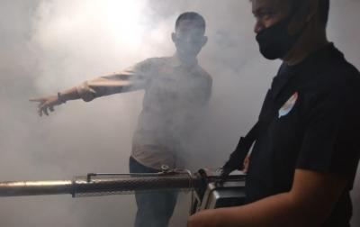 Re-Born Turunkan Tim Fogging ke Kampung Kubur
