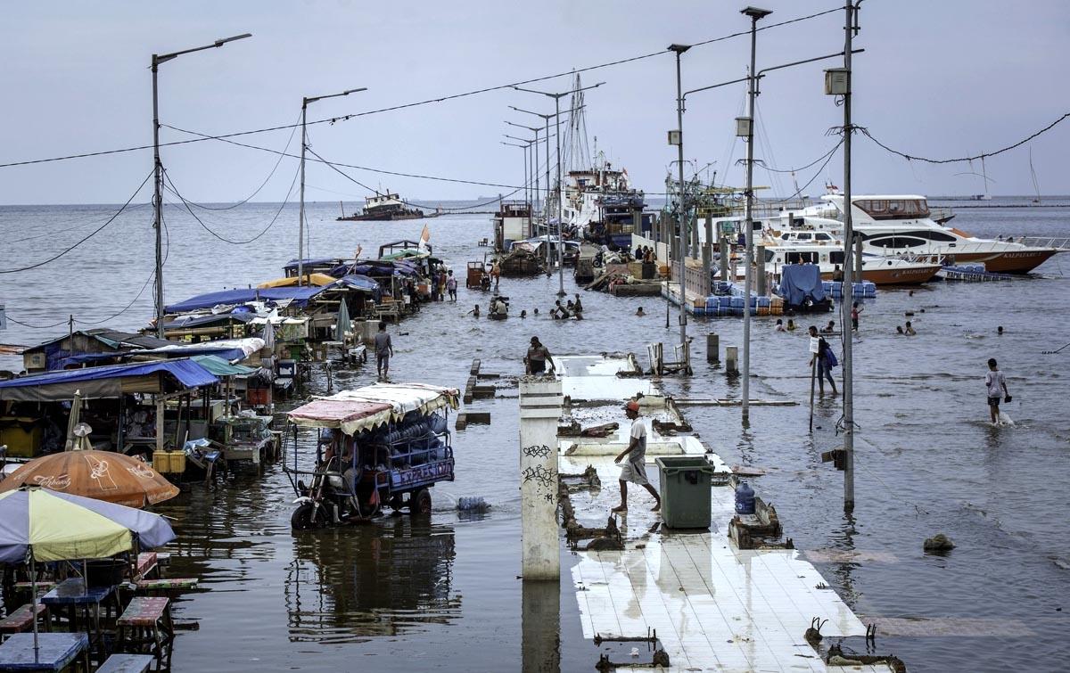 Foto: Banjir Rob Kali Adem