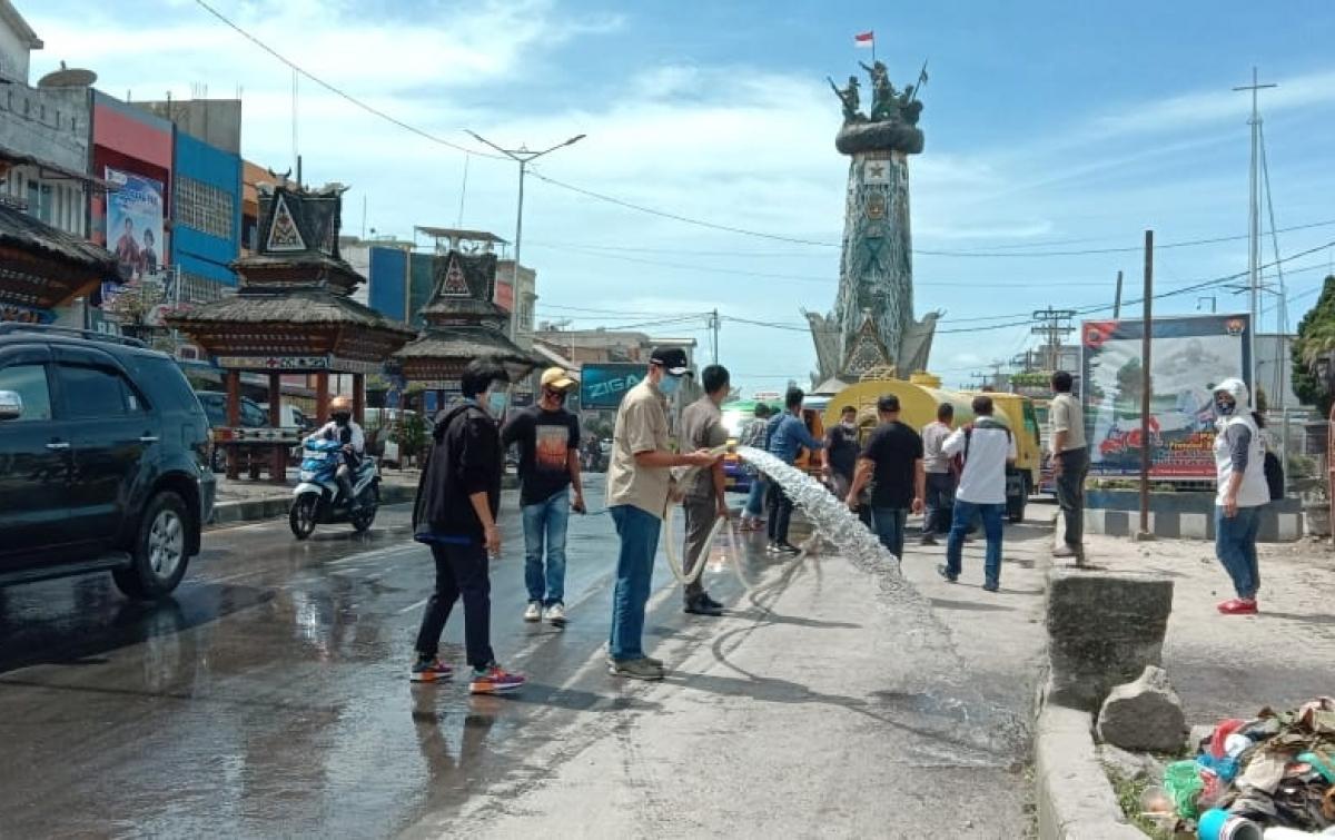 Libur Panjang di Karo Diwarnai Erupsi Gunung Sinabung