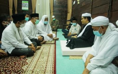 Akhyar-Salman Dialog dengan Tuan Guru Besar Besilam