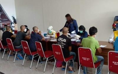200 WNI Dipulangkan dari Malaysia Tiba di KNIA