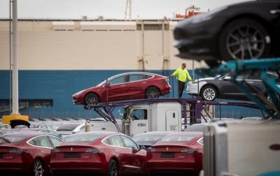Cacat Suspensi, Tesla Tarik 30.000 Mobil yang Sudah Diimpor