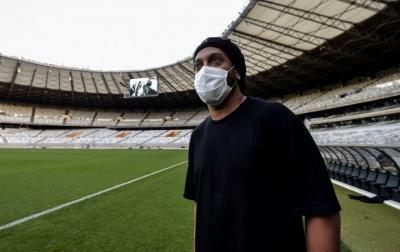 Ronaldinho Positif Covid-19, Jalani Isolasi Mandiri di Brasil