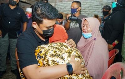 Kaisem Menangis Tersedu Dikunjungi Bobby Nasution