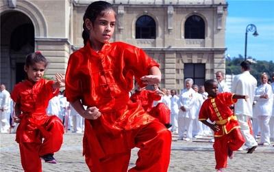 Masyarakat Kuba Lawan Covid-19 Dengan Berlatih Wushu