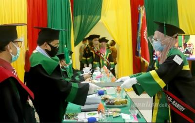 1.377 Lulusan UIN Ar-Raniry Wisuda Secara Daring dan Luring