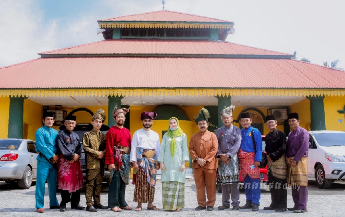 Seminar Busana Tradisional dan Destar Alam Melayu