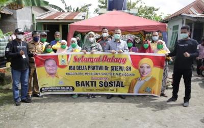 Anggota DPR Bagikan Ratusan Paket Sembako di Asahan dan Tanjungbalai