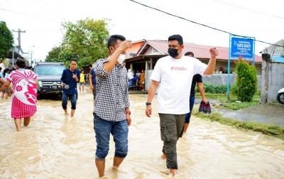 Bobby Batalkan Seluruh Agenda, Pilih Pantau dan Bantu Korban Banjir