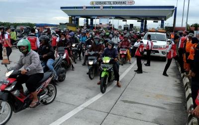 Komunitas Motor BOS Medan Turun Langsung Bantu Korban ...