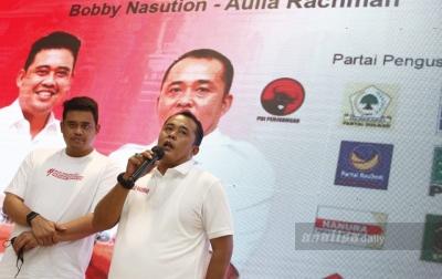 FOTO: Bobby Nasution-Aulia Rachman di Rumah Pemenangan