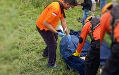 Warga Temukan Jasad Pria Diduga Korban Banjir Beberapa Hari Lalu