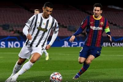 Arthur Ungkap Perbedaan Karakter Messi dan Ronaldo
