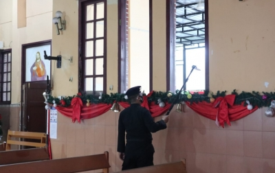 Jelang Malam Natal, Tim Jibom Brimob Polda Sumut Sterilisasi Gereja