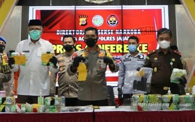 Polda Aceh Ungkap Penyelundupan Sabu Jaringan Internasional