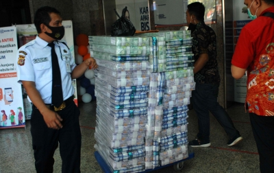 Uang Beredar pada Desember 2020 Capai Rp 6.900 Triliun